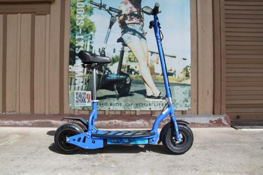 USED - SXT300 electric scooter - blue