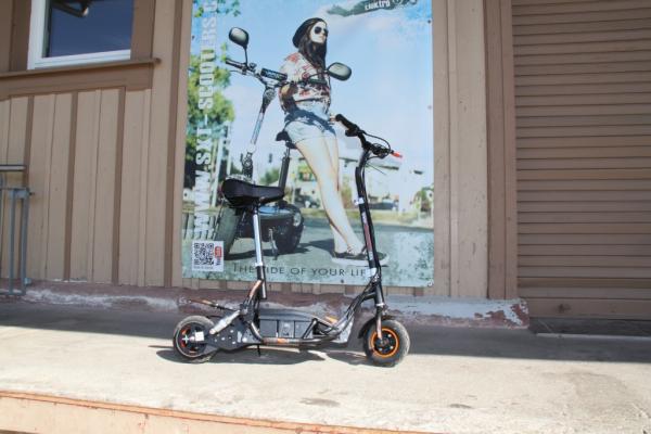 GEBRAUCHT - SXT300 KIDS Elektro Scooter